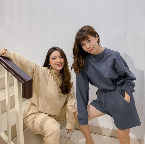 Coincidentally twinning ☺️ Extra comfy loungewear by @shopatvelvet ! ❤️ It gives you both the comfort and style in one.  . . . . . . #style #exploretocreate #localbrand #whatiwear #loungewear #steviewears #clozetteid #shoplocal #fashion #ootd #shotoniphone