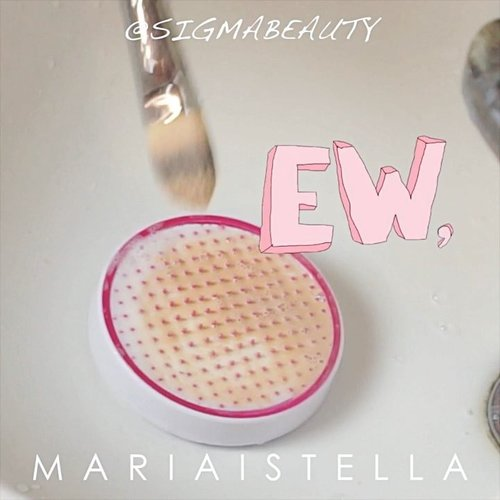 "THE EASIEST WAY TO CLEAN YOUR BRUSH ! ⁉️ This is how I clean my brushes... I'm using @sigmabeauty 2-IN-1 Solid Makeup Brush Cleanser ❣️ It has a SECURE suction cups in sink ❣️ ANTIMICROBIAL super gentle and effective ❣️ SILICONE TEXTURES to scrub away dirt and germs ❣️ TRAVEL FRIENDLY size . Get 10%OFF by using my code ""MISTELLA10"" on their website before checking out 😍 #mariaistellabeautyvid . . . . . . . . . . . . @indobeautygram @bvlogger.id @indovidgram  #IVGbeauty #indobeautygram #indovidgram #beautymood #asianvlogger #clozetteid  #makeupartist #mua #instamakeupartist  #makeuppower #beautyaddict #eotd #makeuptutorial#wakeupandmakeup #featuremuas #undiscovered_muas #beautyblogger #beautyvlogger #youtuber #indonesianyoutuber #beautyvideo #makeuptutorial #skincare @awesomemakeu.p @makeup_up #powerofmakeup @powerofmakeup @limitart @tampilcantik #tampilcantik #sonyforher @sonyforher @bombtutorial"