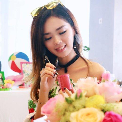 Lipstick making class with Emina 💕-Thank you for having me 💖-#beautyjournalxemina #eminagirlgang #halloween2017 #halloween #halloweenmakeup #beautyjournal #sociolla #eminacosmetics #clozetteid #beautynesiamember #beautynesia #medanbeautygram #indobeautygram #beautybloggerid #indonesiabeautyblogger #undiscovered_muas #sfxmakeup #lykeambassador #sigmabrushes #sigmabeauty #spooktacularlypretty