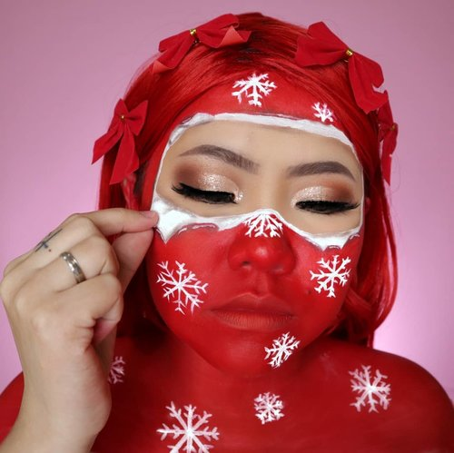 OPEN THE PRESENT 🎁 CHRISTMAS CHALLENGE DAY 13/25 🎄 #25daysofchristmas 🎄 . • Eyeshadow @byscosmetics_id NUDE 4 • Glitter WITH ME from @hicharis_official • Face Paint @officialsnazaroo RECREATE @mcdrew . . #wakeupandmakeup #christmas2019 #christmasmakeup #christmas2k19 #adventcalendar #christmasmakeuplook #christmasmakeupchallenge #countdowntochristmas #makeupoftheday #makeupchristmas #christmasedition #motd #flovivi #clozetteID #cchannel #cchannelid #aestheticmakeup #kipaart
