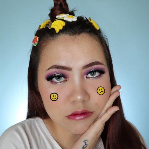 Dagang jepitan 🤣 . Inspo @nicaphan . • Eyeshadow @ucanbemakeup Fruit Pie Filling • Glitter Eyeliner @focallurebeauty 01 • Lips @byscosmetics_id Glitter Lipgloss . . . . #makeupoftheday #tutorialmakeup #Tutorialdandan #makeuptutorial #tutorialmakeup #indobeautygram #makeupoftheday #beautybloggerindonesia #motd #popbelabeauty #flovivi #aestheticmakeup #aesthetic #ClozetteID #cchannelid #cchannelbeautyid @tampilcantik @tips__kecantikan @tutorialmakeup_id @ragam_cantik @meriaswajah @syantiktutorial @ragam_kecantikan @zonacantikwanita