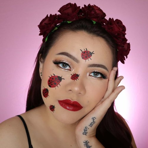Kepik kok kayak kecoa 🤣 . Btw ini aku lupa recreate meap siapa dulu sempet liat di IG tp ga nge save 😭 Inget2 di kepala doang. 😅 Kalo ada yg tau ini meap siapa kasitau aku yes 🙂 . . . . #makeupoftheday #tutorialmakeup #Tutorialdandan #makeuptutorial #tutorialmakeup #indobeautygram #makeupoftheday #beautybloggerindonesia #motd #popbelabeauty #flovivi #ClozetteID #cchannelid #aesthetic #aestheticmakeup #cchannelbeautyid @tampilcantik @tips__kecantikan @tutorialmakeup_id @ragam_cantik @meriaswajah @syantiktutorial @ragam_kecantikan @zonacantikwanita