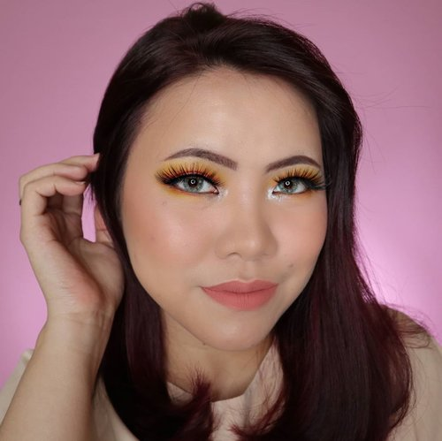Minggu minggu sibuk :( Jaga kesehatan ya guyssss dan jangan lupa minum vitamin C, imboost, banyak air putih, buah & sayur. 😭😭 Sumpah takut bgt bgt gue udah mulai parno mau ngapa2in. . . Eyeshadow : @wetnwildbeauty Pac Man Palette . . . . . #makeupoftheday #tutorialmakeup #Tutorialdandan #makeuptutorial #tutorialmakeup #indobeautygram #aestheticmakeup #slave2beauty #makeupoftheday #beautybloggerindonesia #motd #popbelabeauty #flovivi #ClozetteID #cchannelid #cchannelbeautyid @tampilcantik @tips__kecantikan @tutorialmakeup_id @ragam_cantik @meriaswajah @syantiktutorial @ragam_kecantikan @zonacantikwanita #undiscoveredmuas