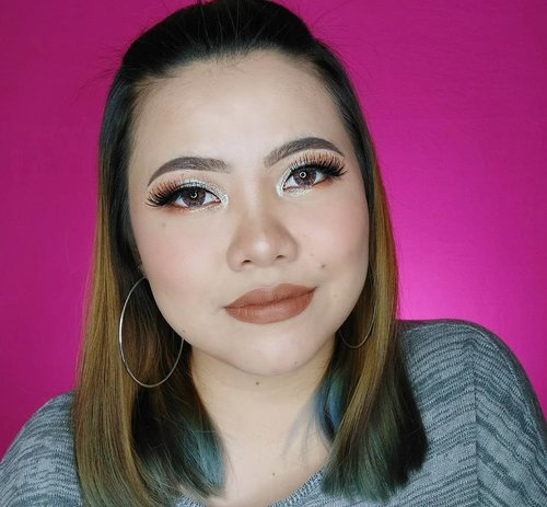 GUTMORNINK ! Sore ini up yak video mini tutorial makeup look ini pake produk2 baru nya @pixycosmetics . Kalian paling penasaran sama apanya si? Primer, cushion, atau bedak nya? Hmmm.... Komen di bawah yakkk 😝 . . . . . . Deets : • Skincare @alcacare • Primer @pixycosmetics • Cushion @pixycosmetics • Powder @pixycosmetics • Eyebrows sweetheart • Browcara @benefitindonesia • Bronzer @beautycreations.cosmetics • Blush @eminacosmetics • Highlighter @catrice.cosmetics • Eyeshadow @imagiccosmeticstore • Eyeliner @dejavu.indonesia • Mascara @benefitindonesia • Softlens @x2softlens Bio Four • Lipcream @eminacosmetics Chocolava . . . . . . . . . . #makeup #makeuptutorial  #wakeupandmakeup #tutorialmakeup #flovivi #makeupvideo #inspirasicantikmu #muajakarta #makeupoftheday #makeupforbarbies #mua #aestheticmakeup #100daysofmakeup #slave2beauty #allmodernmakeup #hudabeauty #belajarmakeup #bretmansvanity #beautybloggerindonesia #tampilcantik  #clozetteID #bvloggerid #indobeautygram #ivgbeauty #bunnyneedsmakeup #makeuptutvid #tutorialmakeuplg #ragamkecantikan Jangan nyolong hashtag dong🙅🏻♀️ 🌺🌺🌺 @beautybloggerindonesia @bunnyneedsmakeup @beautilosophy @tampilcantik @indobeautygram @bvlogger.id @indovidgram @tips__kecantikan @wakeupandmakeup @bloggermafia @setterspace @popbela_com @zonamakeup.id @ragam_kecantikan @inspirasi_cantikmu
