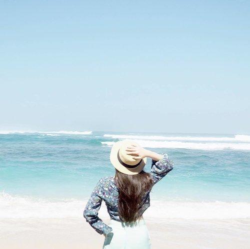 We don't need thousand words to describe 'beach' 🌊🏝💖 #summerholiday #beachview #ClozetteID