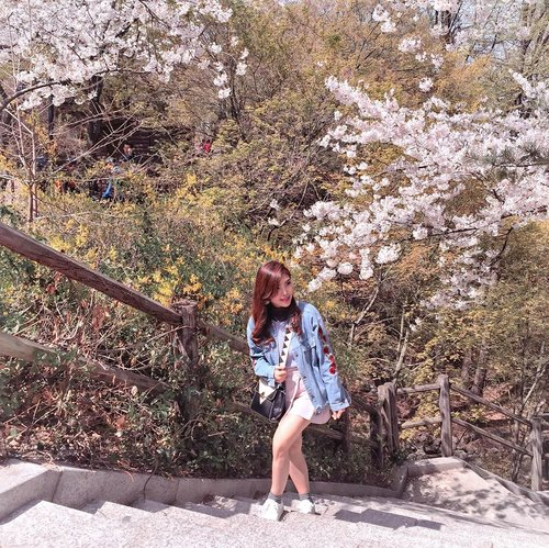 """The power Lightroom and preset. Check out my highlight : """"How To Edit"""" for more 😊🌸 . . . #springday #throwback #howIedit #ClozetteID"""