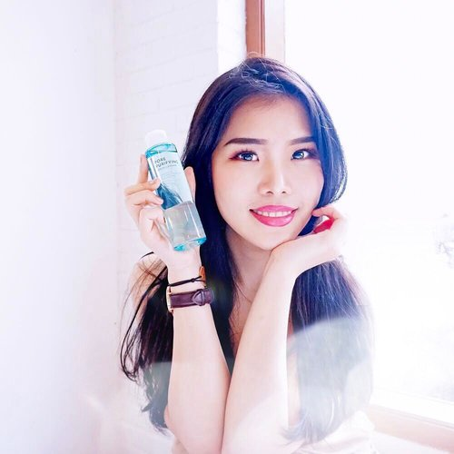 Introducing this Pore Purifying Serum Cleanser from @altheakorea ! This is really the smart innovation to remove makeup and cleanse the skin with super easy way 😍. - Simply pour the product onto palm then massage all over skin, rinse with lukewarm water ( to remove makeup, we may need second cleanser to remove makeup completely ya 😉 ). - If you want to give this product a try, head to @altheakorea app immediately because currently they have many promotions on going, especially free shipping! ✨ - - #AltheaKorea #AltheaSerumCleanser #AltheaAngels #collaboratewithcflo #beautyreview #ClozetteID