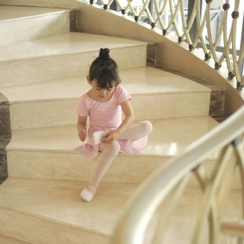 Being a ballerina, you don't ever want to show yourself less than perfect, ever..📸 @dennyirawanphotos.#POTD #child #lifestyle #style #Clozetteid #parenting #safaira #child #cute #kids #daughter