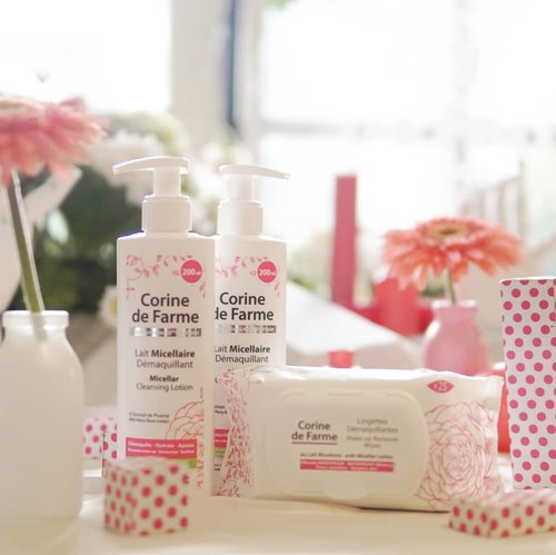This is the new familly from @corinedefarme_id Micellar Makeup Remover Wipes & Mucellar Cleansing Lotion. Enriched with peony flower extract known for it soothing properties, they leave your skin clean moisturized, softened and soothed. You can read about the event launching and mini review at www.kaniasafitri.com 😉 . @beautyjournal  @corinedefarme_id  #micellarwipes #micellarlotion #corinedefarmexbeautyjournal #beautyjournal #corinedefarme #beauty #skincare #micellar  #potd #clozetteid