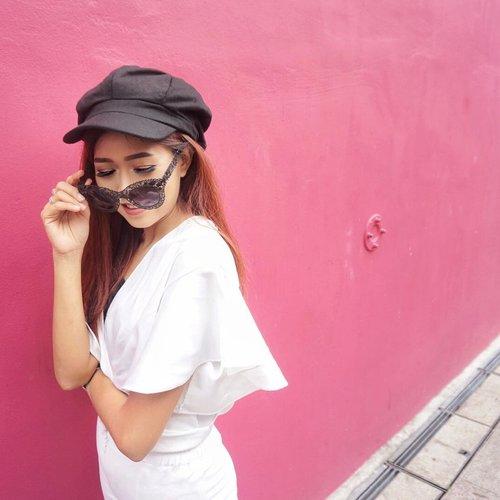Hello sunday and im ready for monday! . #potd #ootd #motd #clozetteid #bestoftheday #style #lifestyle #like4like #likeforlike #instagood #bestoftheday #blogger #outfitoftheday #picoftheday #singapore #hajilane #exploresingapore #wonderlustsingapore #travel #fashion #sunglasses