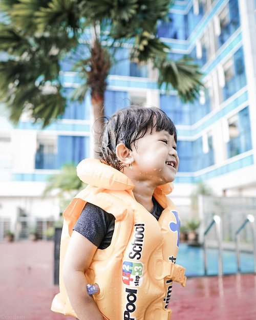 How incredible you look and how awesome it is to be in your presence, such a litle cutie pie 🥰.................#cicidesricom #travelnesia #kidshairstyles #kidsfashion #kidactivities #momlife #momblogger #bbc #bbc3yo #staycation #clozetteid #theinsider