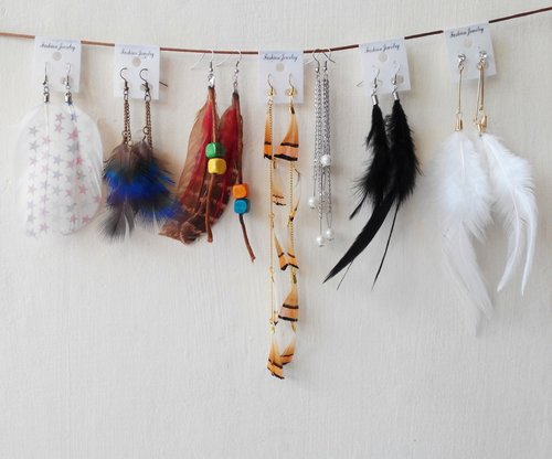yeeeaay \(^_^)/...my new feather earrings colectionfinally,, I got 'em all.  meet me on Intagram @ceizrighthere
