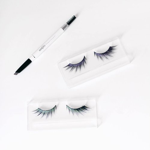 Got my false eyelashes and triangular brow pencil from @emproid | Those false eyelashes are absolutely perfect for special event, with pretty silhouette of colors 😍 Meanwhile, Empro triangular brow pencil has become one of my current favorite tools to set my eyebrow naturally. It has two sides, one is the triangular shape of brow pencil to make a perfect arch easily. And the other sides has a brush that is as important to blend all the harsh lines. You can grab them at @shopatglow @plaza_indonesia #empro #emproid