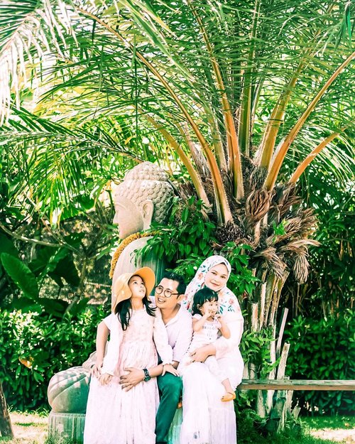 Collect moments, not things...  Because the best memories are the ones we make together 💚  Happy weekend 💛   #family #happyweekend #latepost #stillstayathome #clozetteid #familytravel #loveofmylife #kesayangan #familyfirst #motherhood #momoftwo