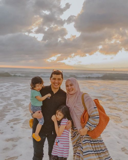 Home is where the heart is 🤍⁣⁣ And my heart is anywhere you are⁣...⁣ Anywhere you are is home 🤍⁣⁣ - Elvis Presley⁣ ⁣⁣ #myhome #family #loveofmylife #kesayangan #clozetteid #familyfirst #momoftwo #latepost #familyholiday #favsong
