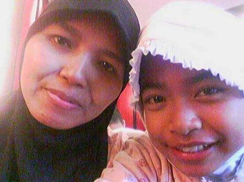 I miss my mom:') Sayang banget sama mama, tapi udah ga mungkin lagi buat ketemu sama mama:) I love you mom❤