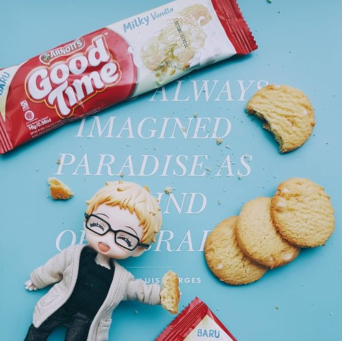 What's a better paradise than A milky biscuit?? As a sweet tooth and a milk fan I'm totally in for @goodtimeid's new Milky cookies. It's not too sweet with the right punch of milky flavour. Tsukki loves #GoodTimeMilky too. An imagined paradise indeed! #goodtimemilkyxclozetteid #clozetteid