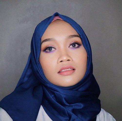 Ultra violet Lebaran makeup look inspired by Pantone Color of The Year 2018! Tuts soon on my youtube channel. Stay tuned 💜..#clozetteid #beauty #hijab #motd #hotd #diaryhijaber #makeuptutorial #makeuplebaran #ultraviolet #lebaran #tutorialmakeuplebaran #bunnyneedsmaksup #wakeupandmakeup #beautybloggerindonesia #indonesiabeautyvlogger #indonesiabeautyblogger #indobeautygram @indobeautygram @wakeupandmakeup @bunnyneedsmakeup @tampilcantik