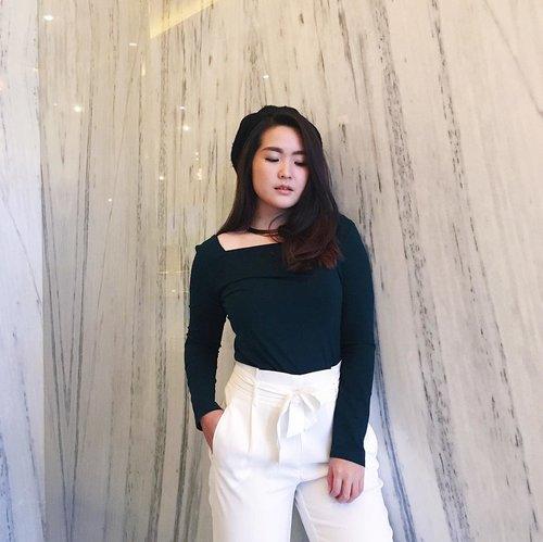 Be grateful always 💝 Makeup : @mo_beautymakeup #ootd #outfitoftheday #ootdindo #ootdindonesia #lookbook #lookbookindonesia #clozetteid #beautynesiamember #outfitinspo #ootdinspiration #outfitinspiration #ootdmagazine #ootdshare #photooftheday #trendalert #instafashion #fashionblogger #fashioninspo #fashion #beautybloggerindonesia #beautyvlogger #makeupjunkie #indonestyle