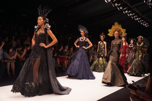 Throwback @jfwofficial 2017 ❤️#jakartafashion #jakartafashionweek #jakartafashionweek2017 #lookbook #lookbookindonesia #clozetteid #ootd #ootdindo #fashion