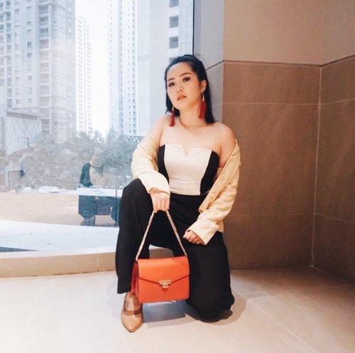 Slay all day 💥 #ootd #outfitoftheday #ootdindo #ootdindonesia #lookbook #lookbookindonesia #clozetteid #beautynesiamember #outfitinspo #ootdinspiration #outfitinspiration #ootdmagazine #ootdshare #photooftheday #trendalert #instafashion #fashionblogger #fashioninspo #fashion #beautybloggerindonesia #beautyvlogger #makeupjunkie #indonestyle