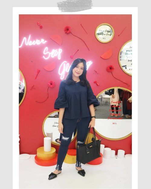 Attended event Find Your True Glow by @pondsindonesia X @beautyjournal to celebrate Kartini Day 🌻🌻 Thank you for having me.  #NeverStopGlowing #BeautyJournalxPonds #KartiniMasaKini  #shinebabyshine #shinebabyshine #theartofslowliving #cupoftheday #feelfreefeed #lovelysquares #darlingdaily #theeverygirl #chasinglight #finditliveit #thesimpleeveryday #minimal_perfection #minimalism #weheartit #blog #dailylife #igdaily #bloggerlifestyle #beautybloggerindonesia #bloggerlife #bloggerindonesia #clozetteid #lessismore #minimalove #simplicity #simpleandpure #Beautiesquad #JakartaBeautyBlogger