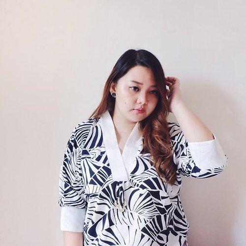 Japan inspired Coin blouse from @xtoxplus . . . . . . . . #xtoxplus #reneetan #reneeplusstyle #clozetteid #clozetteambassador #celebratemysize #bodypositive #likes #likeit #likeforlike #psblogger #psfashion #plussizeindo #plussizefashion #plussizeblogger #plussizeclothing #curvygirl #tagstagram #tagsta_fashion