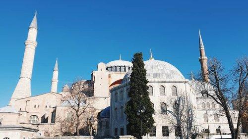 ayasofya . . . #vsco #vscocam #vscoedit #vscofilter #vscogrid #vscodaily #clozetteid #vscogood #vscotravel #vscobest #vscogram #instadaily #istanbul #turkey #turkiye #instagood #instagram #travel #travelphotography #hagiasophia #ayasofya #🇹🇷 #mosque