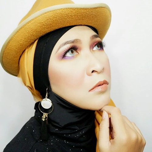 Be thankful for what you are now, and keep fighting for what you want to be tomorrow. #quotesaboutlife #reminder #makeupbyedelyne #makeuplooks #instamakeup #instagram #starclozetter #clozetteid #hijabstyle #hijabandfashion #makeup #makeupartist #makeupart #makeupselfie
