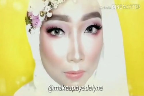 "<div class=""photoCaption"">Beberapa produk yang dipakai, antara lain: @ltpro_official Glow Perfect Highlighter Kit 01 dan Glow Perfect Liquid Highlighter Aurora@ran_cosmetic_indonesia powder R23 Video lengkapnya ada di YouTube channel aku, link di bio.  <a class=""pink-url"" target=""_blank"" href=""http://m.clozette.co.id/search/query?term=makeupbyedelyne&siteseach=Submit"">#makeupbyedelyne</a>  <a class=""pink-url"" target=""_blank"" href=""http://m.clozette.co.id/search/query?term=makeupandhijab&siteseach=Submit"">#makeupandhijab</a>  <a class=""pink-url"" target=""_blank"" href=""http://m.clozette.co.id/search/query?term=makeupoftheday&siteseach=Submit"">#makeupoftheday</a>  <a class=""pink-url"" target=""_blank"" href=""http://m.clozette.co.id/search/query?term=riaspengantinmuslim&siteseach=Submit"">#riaspengantinmuslim</a>  <a class=""pink-url"" target=""_blank"" href=""http://m.clozette.co.id/search/query?term=riasmuslimah&siteseach=Submit"">#riasmuslimah</a>  <a class=""pink-url"" target=""_blank"" href=""http://m.clozette.co.id/search/query?term=tutorialmakeup&siteseach=Submit"">#tutorialmakeup</a>  <a class=""pink-url"" target=""_blank"" href=""http://m.clozette.co.id/search/query?term=makeup&siteseach=Submit"">#makeup</a>  <a class=""pink-url"" target=""_blank"" href=""http://m.clozette.co.id/search/query?term=beforeandaftermakeup&siteseach=Submit"">#beforeandaftermakeup</a>  <a class=""pink-url"" target=""_blank"" href=""http://m.clozette.co.id/search/query?term=thepowerofmakeup&siteseach=Submit"">#thepowerofmakeup</a>  <a class=""pink-url"" target=""_blank"" href=""http://m.clozette.co.id/search/query?term=makeuptransformation&siteseach=Submit"">#makeuptransformation</a>  <a class=""pink-url"" target=""_blank"" href=""http://m.clozette.co.id/search/query?term=tampilcantik&siteseach=Submit"">#tampilcantik</a>  <a class=""pink-url"" target=""_blank"" href=""http://m.clozette.co.id/search/query?term=inspirasimakeup&siteseach=Submit"">#inspirasimakeup</a>  <a class=""pink-url"" target=""_blank"" href=""http://m.clozette.co.id/search/query?term=wakeupandmakeup&siteseach=Submit"">#wakeupandmakeup</a>  <a class=""pink-url"" target=""_blank"" href=""http://m.clozette.co.id/search/query?term=makeupandhijab&siteseach=Submit"">#makeupandhijab</a>  <a class=""pink-url"" target=""_blank"" href=""http://m.clozette.co.id/search/query?term=makeupartist&siteseach=Submit"">#makeupartist</a>  <a class=""pink-url"" target=""_blank"" href=""http://m.clozette.co.id/search/query?term=muagarut&siteseach=Submit"">#muagarut</a>  <a class=""pink-url"" target=""_blank"" href=""http://m.clozette.co.id/search/query?term=muabandung&siteseach=Submit"">#muabandung</a>  <a class=""pink-url"" target=""_blank"" href=""http://m.clozette.co.id/search/query?term=noeyebrowtrimming&siteseach=Submit"">#noeyebrowtrimming</a>  <a class=""pink-url"" target=""_blank"" href=""http://m.clozette.co.id/search/query?term=muaindonesia&siteseach=Submit"">#muaindonesia</a>  <a class=""pink-url"" target=""_blank"" href=""http://m.clozette.co.id/search/query?term=mua&siteseach=Submit"">#mua</a>  <a class=""pink-url"" target=""_blank"" href=""http://m.clozette.co.id/search/query?term=makeupartist&siteseach=Submit"">#makeupartist</a>  <a class=""pink-url"" target=""_blank"" href=""http://m.clozette.co.id/search/query?term=makeupartistworldwide&siteseach=Submit"">#makeupartistworldwide</a>  <a class=""pink-url"" target=""_blank"" href=""http://m.clozette.co.id/search/query?term=makeuptutorial&siteseach=Submit"">#makeuptutorial</a>  <a class=""pink-url"" target=""_blank"" href=""http://m.clozette.co.id/search/query?term=bandungbeautyvlogger&siteseach=Submit"">#bandungbeautyvlogger</a>  <a class=""pink-url"" target=""_blank"" href=""http://m.clozette.co.id/search/query?term=bandungbeautyblogger&siteseach=Submit"">#bandungbeautyblogger</a>  <a class=""pink-url"" target=""_blank"" href=""http://m.clozette.co.id/search/query?term=minitutorial&siteseach=Submit"">#minitutorial</a>  <a class=""pink-url"" target=""_blank"" href=""http://m.clozette.co.id/search/query?term=makeup&siteseach=Submit"">#makeup</a>  <a class=""pink-url"" target=""_blank"" href=""http://m.clozette.co.id/search/query?term=clozetteid&siteseach=Submit"">#clozetteid</a>  <a class=""pink-url"" target=""_blank"" href=""http://m.clozette.co.id/search/query?term=belajarmakeup&siteseach=Submit"">#belajarmakeup</a>  <a class=""pink-url"" target=""_blank"" href=""http://m.clozette.co.id/search/query?term=naturalmakeup&siteseach=Submit"">#naturalmakeup</a>  <a class=""pink-url"" target=""_blank"" href=""http://m.clozette.co.id/search/query?term=makeuplover&siteseach=Submit"">#makeuplover</a>  <a class=""pink-url"" target=""_blank"" href=""http://m.clozette.co.id/search/query?term=makeupaddict&siteseach=Submit"">#makeupaddict</a></div>"