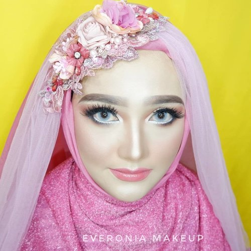 "<div class=""photoCaption"">Makeup for @riskaicha2805 <br /> Eyelashes @bohktoh.id <br /> Headpiece @iloveyoudesign <br /> For makeup service/class DM <br />  <a class=""pink-url"" target=""_blank"" href=""http://m.clozette.co.id/search/query?term=makeupbyedelyne&siteseach=Submit"">#makeupbyedelyne</a>  <a class=""pink-url"" target=""_blank"" href=""http://m.clozette.co.id/search/query?term=makeup&siteseach=Submit"">#makeup</a>  <a class=""pink-url"" target=""_blank"" href=""http://m.clozette.co.id/search/query?term=makeupandhijab&siteseach=Submit"">#makeupandhijab</a>  <a class=""pink-url"" target=""_blank"" href=""http://m.clozette.co.id/search/query?term=hijabandmakeup&siteseach=Submit"">#hijabandmakeup</a>  <a class=""pink-url"" target=""_blank"" href=""http://m.clozette.co.id/search/query?term=makeupideas&siteseach=Submit"">#makeupideas</a>  <a class=""pink-url"" target=""_blank"" href=""http://m.clozette.co.id/search/query?term=muaindonesia&siteseach=Submit"">#muaindonesia</a>  <a class=""pink-url"" target=""_blank"" href=""http://m.clozette.co.id/search/query?term=muagarut&siteseach=Submit"">#muagarut</a>  <a class=""pink-url"" target=""_blank"" href=""http://m.clozette.co.id/search/query?term=muabandung&siteseach=Submit"">#muabandung</a>  <a class=""pink-url"" target=""_blank"" href=""http://m.clozette.co.id/search/query?term=muatasikmalaya&siteseach=Submit"">#muatasikmalaya</a>  <a class=""pink-url"" target=""_blank"" href=""http://m.clozette.co.id/search/query?term=sephora&siteseach=Submit"">#sephora</a>  <a class=""pink-url"" target=""_blank"" href=""http://m.clozette.co.id/search/query?term=sephoraindonesia&siteseach=Submit"">#sephoraindonesia</a>  <a class=""pink-url"" target=""_blank"" href=""http://m.clozette.co.id/search/query?term=makeupforever&siteseach=Submit"">#makeupforever</a>  <a class=""pink-url"" target=""_blank"" href=""http://m.clozette.co.id/search/query?term=lauramercier&siteseach=Submit"">#lauramercier</a>  <a class=""pink-url"" target=""_blank"" href=""http://m.clozette.co.id/search/query?term=wakeupandmakeup&siteseach=Submit"">#wakeupandmakeup</a>  <a class=""pink-url"" target=""_blank"" href=""http://m.clozette.co.id/search/query?term=makeupmafia&siteseach=Submit"">#makeupmafia</a>  <a class=""pink-url"" target=""_blank"" href=""http://m.clozette.co.id/search/query?term=bunnyneedsmakeup&siteseach=Submit"">#bunnyneedsmakeup</a>  <a class=""pink-url"" target=""_blank"" href=""http://m.clozette.co.id/search/query?term=inspirasimakeup&siteseach=Submit"">#inspirasimakeup</a>  <a class=""pink-url"" target=""_blank"" href=""http://m.clozette.co.id/search/query?term=inspirasimakeupwedding&siteseach=Submit"">#inspirasimakeupwedding</a>  <a class=""pink-url"" target=""_blank"" href=""http://m.clozette.co.id/search/query?term=riasmuslimah&siteseach=Submit"">#riasmuslimah</a>  <a class=""pink-url"" target=""_blank"" href=""http://m.clozette.co.id/search/query?term=riaswisuda&siteseach=Submit"">#riaswisuda</a>  <a class=""pink-url"" target=""_blank"" href=""http://m.clozette.co.id/search/query?term=weddingmalaysia&siteseach=Submit"">#weddingmalaysia</a>  <a class=""pink-url"" target=""_blank"" href=""http://m.clozette.co.id/search/query?term=weddingindonesia&siteseach=Submit"">#weddingindonesia</a>  <a class=""pink-url"" target=""_blank"" href=""http://m.clozette.co.id/search/query?term=weddingmakeup&siteseach=Submit"">#weddingmakeup</a>  <a class=""pink-url"" target=""_blank"" href=""http://m.clozette.co.id/search/query?term=riaspengantinmuslim&siteseach=Submit"">#riaspengantinmuslim</a>  <a class=""pink-url"" target=""_blank"" href=""http://m.clozette.co.id/search/query?term=noeyebrowtrimming&siteseach=Submit"">#noeyebrowtrimming</a>  <a class=""pink-url"" target=""_blank"" href=""http://m.clozette.co.id/search/query?term=beforeandaftermakeup&siteseach=Submit"">#beforeandaftermakeup</a>  <a class=""pink-url"" target=""_blank"" href=""http://m.clozette.co.id/search/query?term=clozetteid&siteseach=Submit"">#clozetteid</a>  <a class=""pink-url"" target=""_blank"" href=""http://m.clozette.co.id/search/query?term=mua&siteseach=Submit"">#mua</a>  <a class=""pink-url"" target=""_blank"" href=""http://m.clozette.co.id/search/query?term=morphe&siteseach=Submit"">#morphe</a></div>"