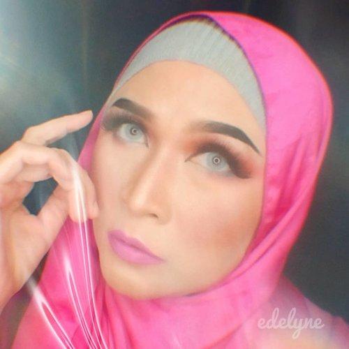 Still playing with plastic , how do you think ?  #brushedbyedelyne #stayathome #hijabphotography #photooftheday #ClozetteID #photographylovers #bloggerstyle #makeup #makeupideas #makeuplooks #hijabifashion #hijabindo #influencers