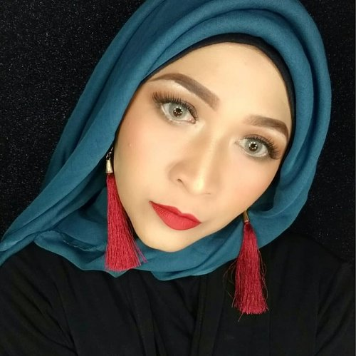 Malem gaessss  #brushedbyedelyne #clozetteid #makeup #hijabstyle