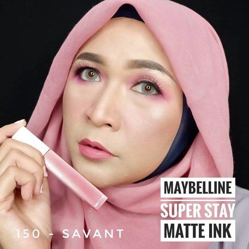 Pink Is The New Trend ! Kalian pasti suka warna pink kan? Fresh Pink , Dusty Pink or Stunning Pink ? Warna-warna pink yang gemes dan cantik kini hadir pada 5 shade terbaru dari @maybelline Super Stay Matte Ink Pink Edition . Hasil akhir matte dan tahan hingga 16 jam, kalian bisa tampil dengan lipstick ini untuk berbagai acara .Ini dia warna - warna terbaru dari Maybelline Super Stay Matte Ink Pink Edition : 150 - Savant 155 - Pathfinder 160 - Mover 170 - Initiator 175 - Ringleader Kalian suka yang mana gaessss 🥰💙 @bandungbeautyblogger#maybellineindonesia#brushedbyedelyne#pinkonfleek#mnyitlook #bandungbeautyblogger #beautybloggers #beautyinfluencer #bloggerstyle #makeup #clozetteid #mua #makeupartist #indonesiabeautyblogger#stayathome #dirumahaja #staysafe