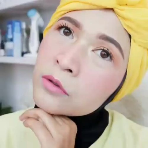 Tetap semangat dan optimis ya temans 💚💪 Insya Allah Ramadhan datang, Corona  pulang . #brushedbyedelyne #makeup #makeuptutorial #tutorialmakeup #bandungbeautyblogger #mua #makeupartist #clozetteid #stayathome #staysafe