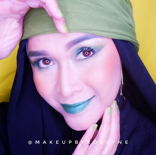 Green monochrome makeup look .  Details :  @pondsindonesia  glitter glow  @getthelookid  loreal foundation G3 @lauramercier loose powder  @ran_cosmetic_indonesia twc  @morphebrushes eyeshadow  @getthelookid loreal lash paradise mascara @inglotindonesia duraline @fanbocosmetics eyebrow pencil @anastasiabeverlyhills highlighter  @makeoverid eyeliner black jack @catrice.cosmetics blush  #brushedbyedelyne #makeup #creativemakeup #makeupideas #greenmakeuplook #monochromemakeup #clozetteid #hijabphotography #bandungbeautyblogger #bloggerstyle #influencer #mua