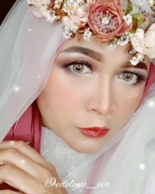 Misiii numpang lewaat 😁🙏#brushedbyedelyne #transisi #makeuptransformation #clozetteid #wakeupandmakeup