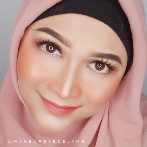 Happiness is enjoying the little things in life. #stayathome #brushedbyedelyne #staysafe #staypositive #staystrong #clozetteid #makeup #bandungbeautyblogger #influencer #beautyinfluencer #hijabista #instagood #instagram #bloggerstyle #dirumahaja