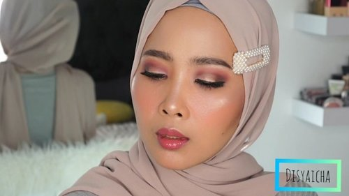 Makeup beli es timun suri 😂😂 Detail@laneigeid ( sun cream spf 50pa++)@diormakeup (forever foundation)@benefitindonesia (hello happy 02)@nyxcosmetics_indonesia (eyeshadow base)@focallurebeautyid ( tropical vocation)@maybelline (eyeliner)@benefitindonesia (blush bar)@esqacosmetics ( lip gloss travel size sydney)@makeoverid (highliter)......#100daymakeupchallenge #beautyenthusiast #beauty #beautygram #makeup #makeuptutorial #contourtutorial #makeup #beautygoersid #indobeautygram #indoveautysquad #beautygram #beautybloggerindonesia #tasyashoutoutfarasya #dwiendahpusparini #clozetteid #clozette #ivgg #ivgbeauty #esqa #esqaddicted #minitutorial #indovigram #eotd #ibv #udindonesia@beautybloggerindonesia @tampilcantik @ragam_kecantikan @cchannel_beauty @indobeautygram @tips_kecantikan @popbela_com @clozetteid @bloggermafia @indobeautygram @indovigram