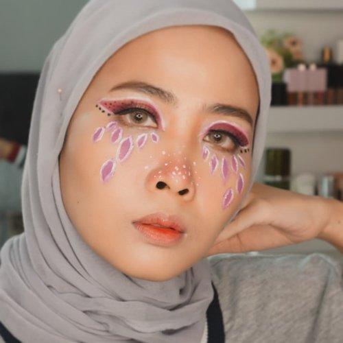 Purple! .. . #artmakeup  #nightskincareroutine #100daymakeupchallenge #beautyenthusiast #beauty #beautygram #makeup #makeuptutorial #contourtutorial #makeup #beautygoersid #indobeautygram #indoveautysquad #beautygram #beautybloggerindonesia #tasyashoutoutfarasya #clozetteid #clozette #ivgg #ivgbeauty #esqa #esqaddicted #minitutorial #indovigram #eotd #ibv  @beautybloggerindonesia @tampilcantik @ragam_kecantikan @cchannel_beauty @indobeautygram @tips_kecantikan @popbela_com @clozetteid @bloggermafia @wakeupandmakeup