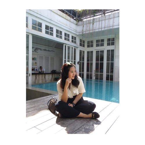 Thinking : the talk of the soul to itself . . . . . . . . . . #jenntanmakeup #tinkerlustambassador #jennitanuwijaya #LYKEambassador #clozetteco #clozetteid #clozettedaily #clozettebeauty #campusambassador #brandambassador #influencerjakarta #jakartabeautyblogger #hermitagehotel #travelbloggerlife #sunkissedskin #beachlife #balivibes