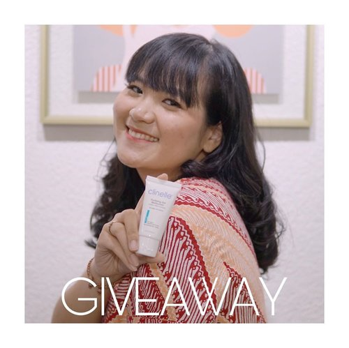 [GIVEAWAY ALERT]Hi luvvvs, aku punya good news nih buat yang lagi jerawatan! Aku dan Clinelle mau bagi2 serangkaian produk yang selama sebulan ini ngebantu aku memperbaiki masalah jerawat: Clinelle Purifying Series. Caranya gampang! 1.Share your acne journey along and upload your selfie photo - no filter & no edit – show to the world your acne and be confident!2. Upload on your Instagram, tag & follow @clinelleid @jennitanuwijaya with hashtag: #MyAcneMyJourney #withClinellepurifying #ClinelleXJennTan3. The best stories and photos will WIN 1 complete set of Clinelle Purifying series and Clinelle Voucher. Total 5 WINNER (one winner from each beauty influencers)• Giveaway Prizes (TOTAL PRIZE ±IDR 750,000) :- 1 set Clinelle Purifying series- Clinelle voucher IDR 300,000Periode giveaway: 15 juni - 29 juniPengumuman pemenang: 1 juliBest of luck to you!💕........#giveawayalert #clozetteid #jenntan #jenntangiveaway #giveawayindo #giveawayskincare #giveawaybeauty