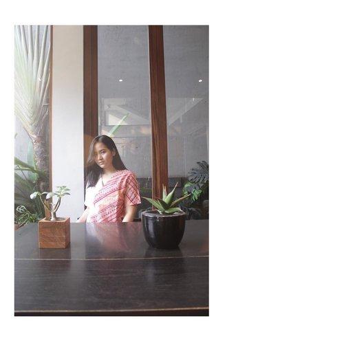 "Ekspresi kalo ngomong ""situ oke?"" ........#clozetteid #clozettedaily #clozettefashion #LYKEambassador #jenntan #jennitanuwijaya #ootd #wiwt #lookbookindonesia #iwearmaple #mapleyourday #exploremalaysia #bloggermalaysia #jakartabeautyblogger #influencerjakarta #femaleblogger #indofemaleblogger #fashionbloggerjakarta"