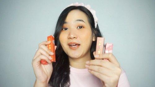 Ada yang baru tapi bukan gebetan wkwkwk video baru genkkkk! Full swatch + review @eminacosmetics jajanan pasar , cekidot link on bio✨ ..P.s : warnanya cangtip2 banget yuyur ! ...#clozetteid #cicireceh #eminacosmetics #lipstickswatch #lipswatches #localpower #localprideindonesia