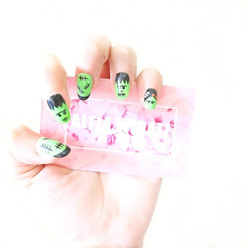 Frankestein 💚👻 This cute fake nails made by @fianailwitch, go check them page for another cutie lovely fake nails! Review about this soon 🙆...#clozetteid #nails #nailart #fakenails #beautyjunkie #makeup #makeupjunkie #makeupaddict #instagood #instadaily #l4l #like4like #f4f #beauty #blog #beautyblog #beautyblogger #beautyaddict #vsco #vscocam #indonesianbeautyblogger #beautybloggerid  #style #love #cute #beautiful #tbt #bestoftoday #potd