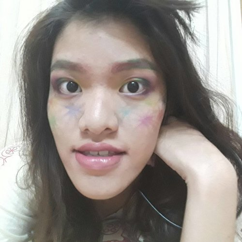 """Had some fun creating """"Fireworks Makeup Look"""" collaboration with BEAUTIESQUAD~ It's not wearable, really, you should not use this makeup look for your special day. But it's fireworks inspired~  #beautiesquad #fireworksmakeup #beautiesquadjunecollab #specialdaymakeup #makeuplebaran"""