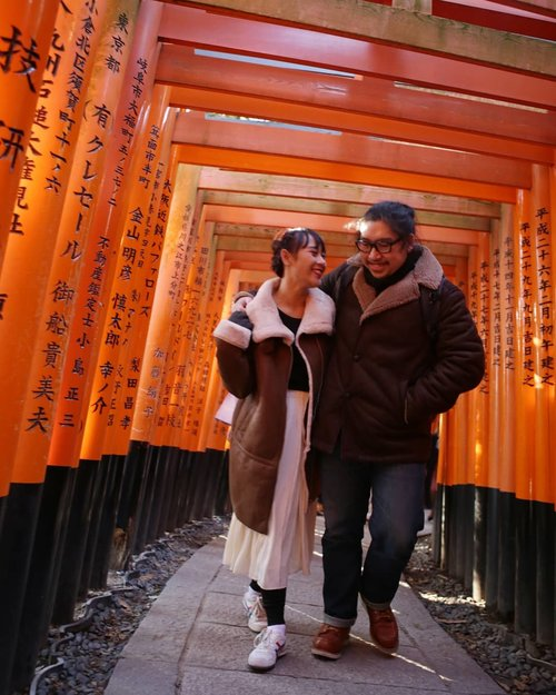 I wanna walk with you through your life, lay with you as your wife, be your best partner in life.  #HuboyWaifuJalanJalanJapan #FushimiInari #Kyoto #Japan #ClozetteID #Traveling