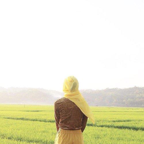 SAW ... ah~ ......#minimalism #minimalist #minimalmood #minimalismindonesia #rsa_minimal #whiteaddicted #minimal_perfection #minimalism_world #wanderlust #exploreciamis #mainsebentar #kerengan #hijabtravelerind #clozetteid #starclozetter #travel #ggrep #rimamudik2016 #peopleinframe #folkindonesia