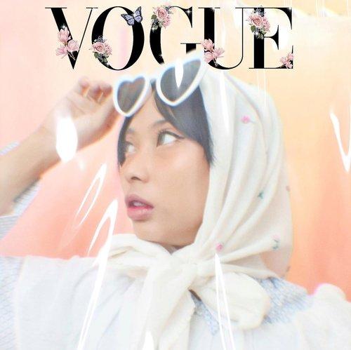 Abang editor @voguemagazine pasti bangga sih, doi gausah repot-repot edit, aku bisa edit sendiri soalnya :') ________________________________Cakep banget emang hijabnya @womensheaven_ #voguechallenge #clozetteid #voguecover #voguemagazine