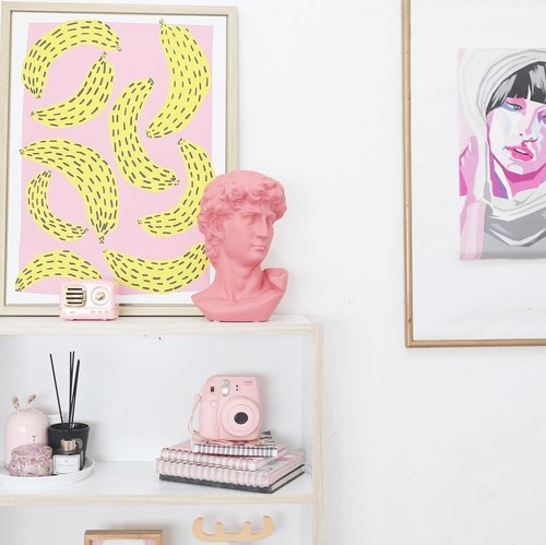 New year, new spot ✨________________________#bedroomdecor #clozetteid #rimarainbowroom